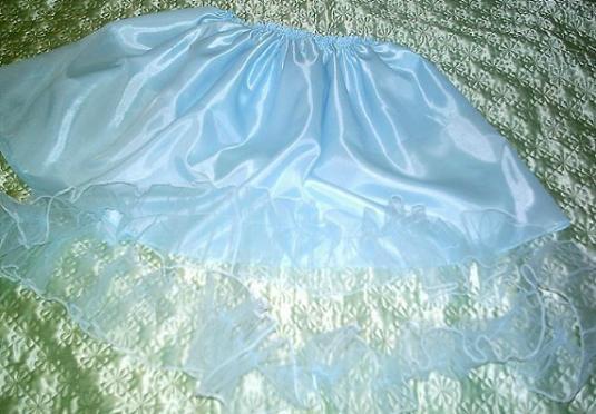 Сшить пояс из атласа с бантом на платье